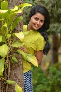 Cute Girl Face, Cute Girl Photo, Beautiful Girl Photo, Beautiful Girl Indian, Most Beautiful Indian Actress, Stylish Girl Images, Stylish Girl Pic, Beautiful Bollywood Actress, Beautiful Actresses