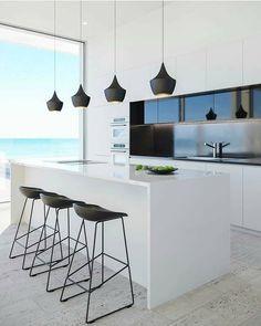 What do you think of this kitchen? Comment below . . Via @construct4all #miamirealestate #homesinmiami #kitchen #cocina #whitekitchen #moderndesign #modernhomes #modernkitchen #cucina #cocinas Reposted Via @homesinmiami