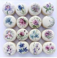 floral macarons by Cake Action OMG its so beautiful! floral macarons by Cake Action OMG its so beautiful! Macaron Cookies, Cupcake Cookies, Kreative Desserts, Cookie Recipes, Dessert Recipes, Paint Cookies, French Macaroons, Macaroon Recipes, Cute Desserts
