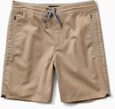When travel plans change and rearrange, roll with the punches in comfort while wearing the ROARK REVIVAL Layover men's shorts. Their lightweight design moves with you effortlessly from gate to gate. Available at REI, Satisfaction Guaranteed. Work Shorts, Men's Shorts, Roark Revival, Hiking Shorts, Mens Travel, Hiking Fashion, Mens Trends, Men Hiking, Outdoor Wear