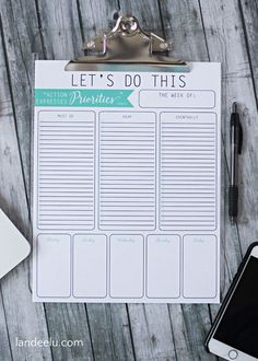 Priorities Printable To Do List | landeelu.com A free printable to do list to keep your week organized and prioritized!