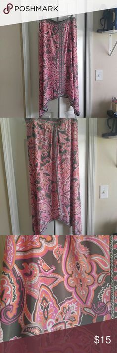 INC Paisley Bohemian skirt size L Gorgeous pattern Bohemian skirt in perfect condition. 95% polyester, 5% spandex. Never worn, size large. Great for summer evenings out! INC International Concepts Skirts Asymmetrical