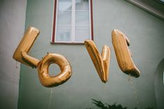 estonia wedding love sandra palm 01 Balloon Love Letters and an Outdoor Ceremony in the Middle of the City