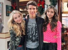 """Uriah Shelton joins Disney Channel's """"Girl Meets World"""" Is he gonna replace Lucas or is he for Maya?!"""