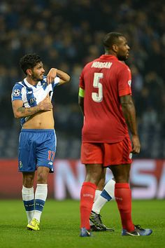 Jesús Corona of FC Porto celebrates with teammates the second goal against Leicester City during the UEFA Champions League match between FC Porto...