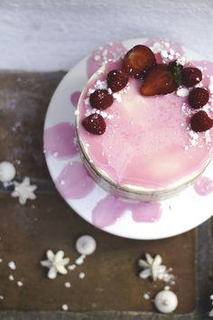 1 year blogging (Lemon, coconut, Raspberry Cake & White Chocolate & Strawberry Cake) | Migalha Doce