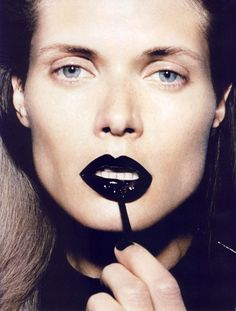 How I usually wear the YSL black lipgloss... basic face, little contouring and jet black glossy lips.