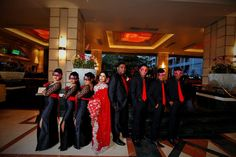 The bridal party of Hansi and Chamin posing during their homecoming at Cinnamon Grand Colombo.