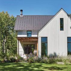Beautiful Modern Farmhouse Exterior Design 38