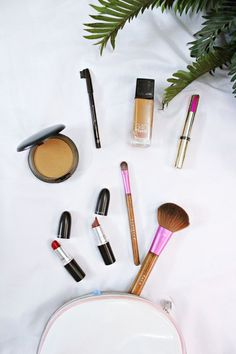 The world of makeup can be very overwhelming. But don't worry, I've got you covered! Here is a basic beauty kit perfect for beginners and lazy people....[read more] #haircarekits,