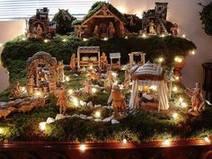 Fontanini nativity scene pinned by Donahue . Christmas Crib Ideas, Rose Gold Christmas Decorations, Christmas Nativity Set, Christmas Village Display, Christmas Villages, Christmas Love, Christmas Holidays, Christmas Crafts, Christmas Scenes