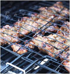 Cooking up Life: Bun Thit Nuong (Vietnamese Grilled Pork with Vermicelli) Vietnamese Grilled Pork, Vietnamese Cuisine, Pork Recipes, Asian Recipes, Cooking Recipes, Game Recipes, Yummy Recipes, Grilled Chicken Calories, Thit Nuong Recipe