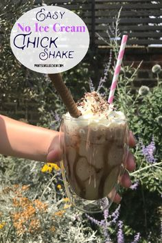 These easy no ice cream thick shakes are a great way to copy the expensive coffee shop versions this summer. They are healthier, tastier and cheaper. Chocolate Milkshake, Chocolate Shake, Chocolate Syrup, Frozen Drinks, Frozen Fruit, Non Alcoholic Drinks, Cold Drinks, Milkshake Recipes, Drink Recipes