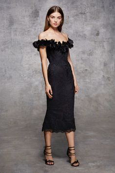 Marchesa is a brand specializing in high end womenswear, established in 2004 by Georgina Chapman and Keren Craig. Fall Dresses, Short Dresses, Prom Dresses, Pageant Gowns, Dressy Dresses, Club Dresses, Elegant Dresses For Women, Beautiful Dresses, Hot Dress