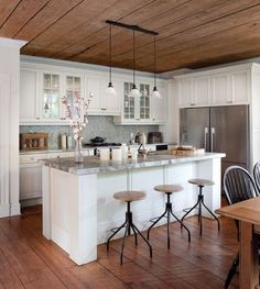 Turn your kitchen into a cafe with these 5 ideasPosted on September 26, 2014 by Wendy WeinertTurn your kitchen into a cafe with these 5 ideas