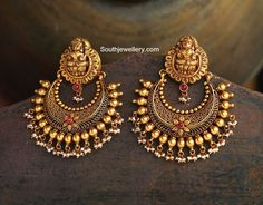 https://www.facebook.com/SouthIndianJewellery/photos/pb.501446856594897.-2207520000.1428113758./785406954865551/?type=3