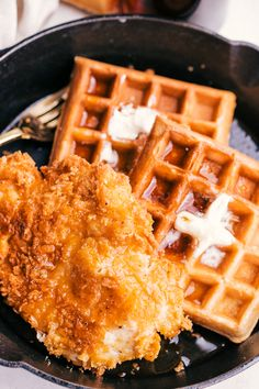 Easy Chicken and Waffles. These chicken and waffles are made to perfection. Cris… Easy Chicken and Waffles. These chicken and waffles are made to perfection. Crispy breaded chicken with warm homemeade waffles, melted butter and syrup. Best Chicken And Waffle Recipe, Easy Waffle Recipe, Waffle Recipes, Chicken Recipes, Pancake Recipes, Crepe Recipes, Oven Chicken, Breaded Chicken, Spicy Fried Chicken