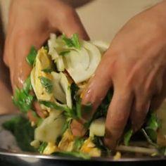 Video: Yotam Ottolenghi and Sami Tamimis Saffron Chicken Salad: BA Daily