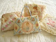 Shabby Chic Sewing Case - Free Sewing Tutorial by Bear's Patch