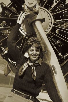 Flying Solo: A Mighty Girl Salutes Amelia Earhart Female Historical Figures, Historical Photos, Amelia Earhart, Amy, Mighty Girl, Female Pilot, Aviators Women, Glamour, Famous Women