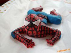 Figurky na dorty na tento týden Spiderman a pejsek