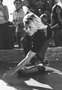 Great capture, very cool movie. theclassyissue: Emile Hirsch as Jay Adams in Lords of Dogtown Lords Of Dogtown, Jay Adams, Z Boys, Skate Surf, Skate Boy, Raining Men, Longboarding, Celebs, 90s Grunge