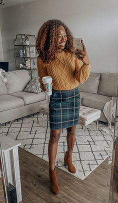 Fall Workwear Capsule: 14 Business Casual Outfit Ideas for the Office - Business Outfits for Work Business Casual Skirt, Business Casual Outfits For Work, Work Casual, Winter Business Casual, Preppy Business Casual, Office Outfits, Work Outfits, Casual Skirt Outfits, Casual Winter Outfits