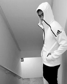 Adidas zne hoodie IG: nottvisrut