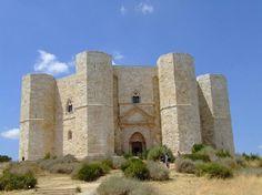 カステル・デル・モンテ 「死ぬまでに行ってみたい、世界の名城25」 トリップアドバイザー