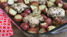 Prepared pesto is all you need to turn chicken thighs and potatoes into a flavorful baked dinner for Potato Recipes, Chicken Recipes, Basil Recipes, Chicken Ideas, Dishes Recipes, Hamburger Recipes, Baked Pesto Chicken, Butter Chicken, Food Dinners