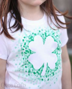 Cute DIY shamrock shirt made with pencil erasers! Saint Patrick's Day Crafts St Patrick's Day Crafts, Holiday Crafts, Crafts For Kids, Diy Crafts, St Paddys Day, St Patricks Day, St Pattys, Saint Patrick, Eraser Stamp