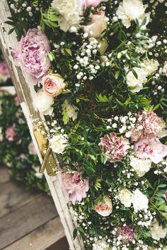 Handmade flower crown from Vienna. ❤ Exclusive custom made wedding crowns for brides ❤ Blumenkranz handgemacht in Wien anfertigen lassen. Handmade Flowers, Flower Crown, Flower Decorations, Floral Wreath, Wreaths, Bride, Wedding, Crown Flower, Wedding Bride