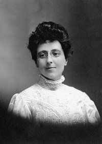 Original title:  Lucy Maud Montgomery at time of publication of Anne of Green Gables. Age 34, 1908. Courtesy of L. M. Montgomery Collection, Archival & Special Collections, University of Guelph.
