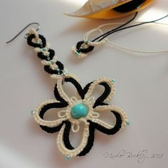 Yarnplayer's Tatting Blog: Working on tatted false plait for earrings