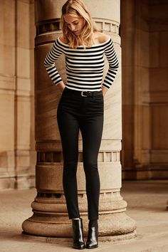 I have all of the time lived and obsessed on French street expressive style, and my upcoming Paris honeymoon has me even more possessed. French women apparel on 50 Fashion, Timeless Fashion, Girl Fashion, Autumn Fashion, Fashion Tips, Petite Fashion, Looks Style, Street Style Looks, Looks Jeans