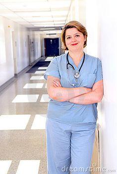 4.)De Verpleegster probeert Eva te helpen genezen. Ze moet opnieuw leren spreken,lopen en denken.