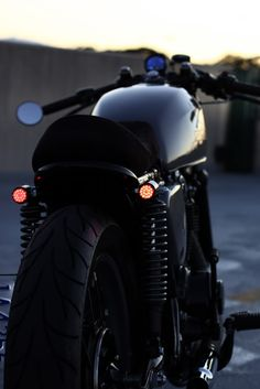 Cafe racer darkness