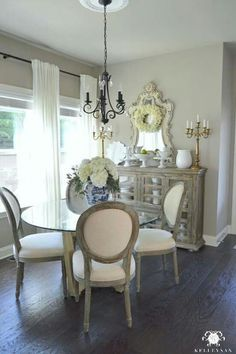 Lasting french country dining room furniture & decor ideas Small Dining Room Furniture, Dining Room Table Decor, Dining Room Design, Furniture Decor, Kitchen Tables, French Furniture, Room Chairs, Dining Nook, Modern Furniture