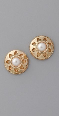 Juliet & Company Vintage Stud Earrings - StyleSays