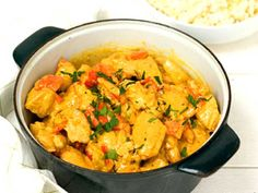 Kycklinggryta med curry   Recept från Köket.se 300 Calorie Lunches, 300 Calories, Meal Prep For The Week, Lunches And Dinners, Freezer Meals, Food For Thought, Macaroni And Cheese, Chicken Recipes, Curry Recept