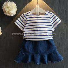 ชุดเสื้อ+กระโปรงเด็กลาย Smile 100 110 120 130 140 ~ 359.00 บาท >>