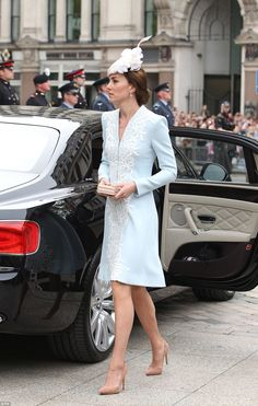 Today the Duchess of Cmabridge opted for a powder blue Catherine Walker coat dress and Jane Taylor hat as she joined the royal family in celebrating the Queen's 90th birthday at St Pauls