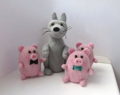 Three Little Pigs and Angry Wolf. Needle Felted Natural Wool Stuffed toys. Fairy Rosy Funny Round Pigs Grey Wolf. Cute present gift handmade