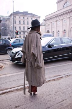 Oversized trench and a fedora (always a good look)