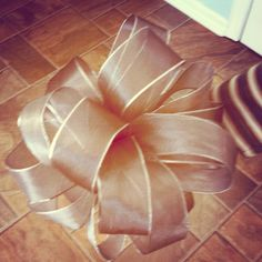 Home made wedding bow    http://www.youtube.com/watch?v=0jSzFyojeqE