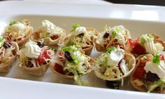A plate full of bite-size tacos? Count me in! Mini food is 'so hot right now' so add these cute little taco bites to your next party table and you'll be 'on trend'. Mini Taco Bites, Mini Taco Cups, Mini Tacos, Mexican Food Recipes, Ethnic Recipes, Savoury Recipes, Free Taco, Taco Fillings, Mini Foods