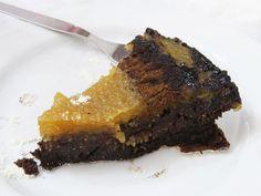 Tarte Três Delícias do Algarve recipe. Made with almonds, figs and carob