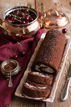 Malzemeler: 115 gr. ince doğranmış %70-60 kakao bitter çikolata 6 adet orta boy yumurta, sarısı ve beyazı ayrılmış 135 gr. şe...