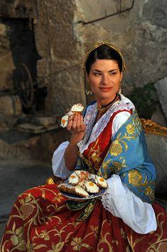 Abiti e Costumi tradizionali, regionali e nazionali italiani ed europei - Abito tipico siciliano per il matrimonio