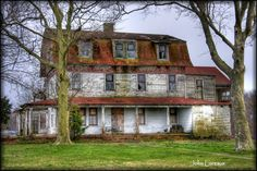 Old, abandoned farmhouse in Beesley's Point, New Jersey.